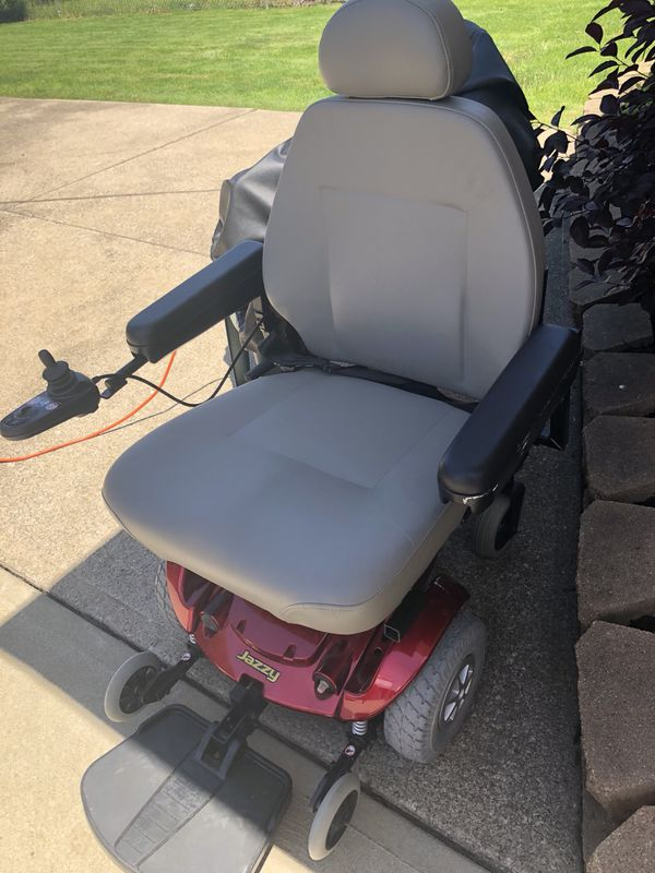 Jazzy electric wheelchair for Sale in Parma, OH - OfferUp