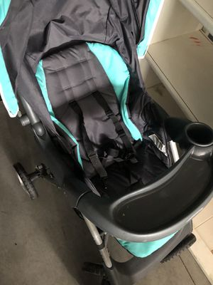 Photo Graco stroller and car seat with base price is for both