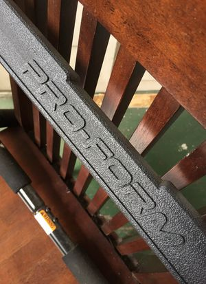 Pro form pull up bar barely used for Sale in Orlando, FL