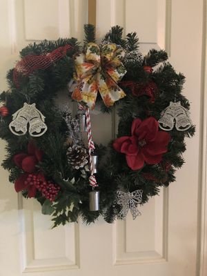 Home made Wreathes , Garland and much more. for Sale in Riverside, CA