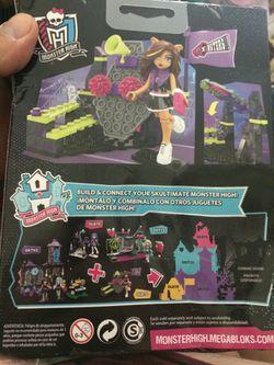 Monster High Build Creeperific Character Thumbnail