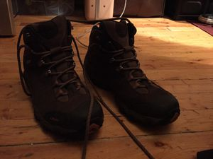 Brand New OBOZ HIKING BOOT Men's 9 Mid-weight for Sale in Salt Lake City, UT