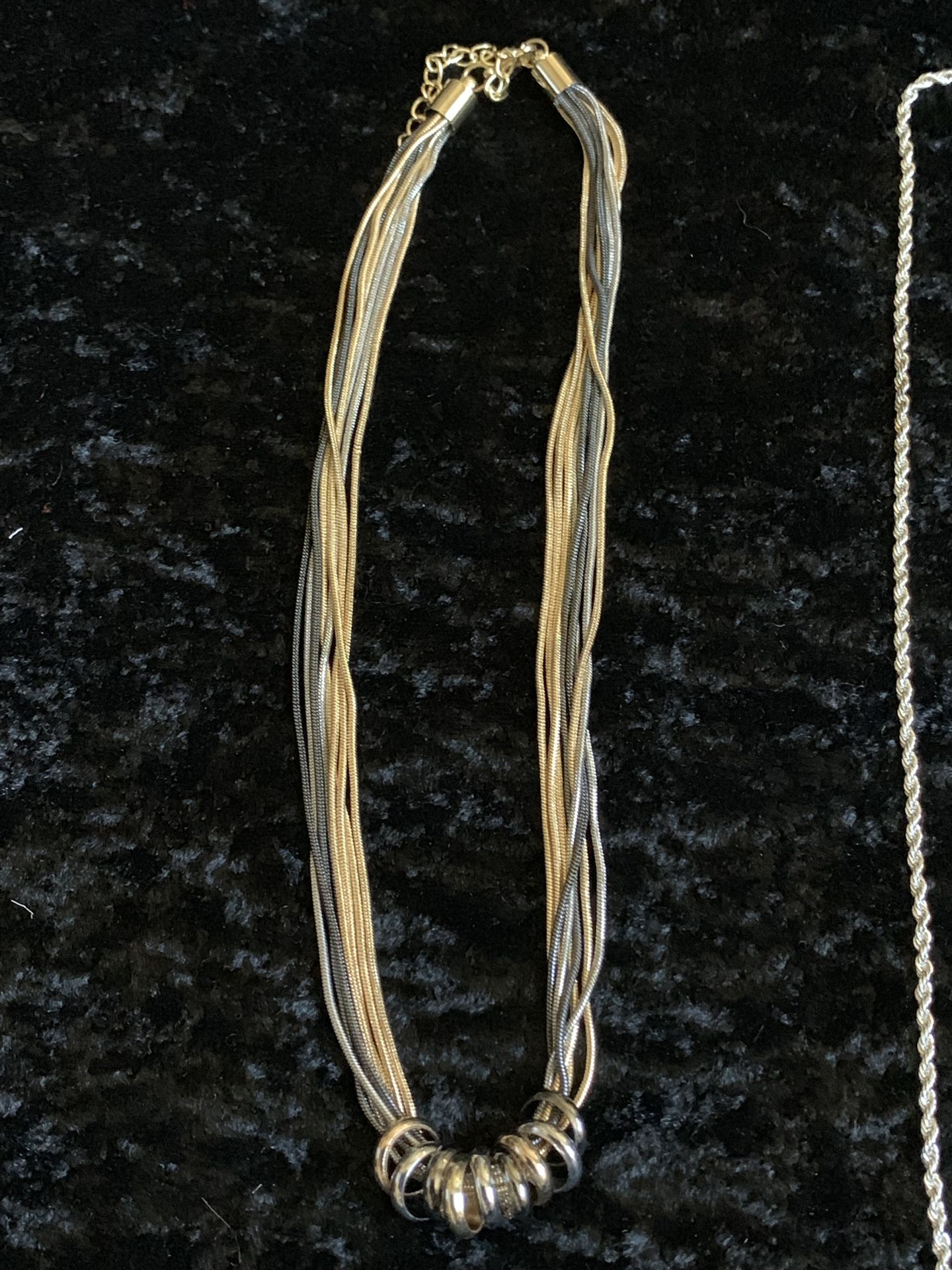 Set Of 5 beautiful necklaces