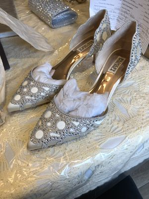 Badgley mischka heels for Sale in South Plainfield, NJ