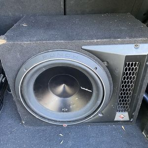 Photo 12 Rockford Fosgate subwoofer in box