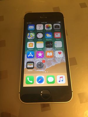 Carrier unlocked iPhone SE 64GB for Sale in McLean, VA