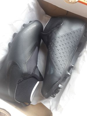 Nike Phantom VSN Academy boots kids for Sale in Los Angeles, CA