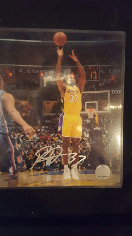 Ron Artest autograph