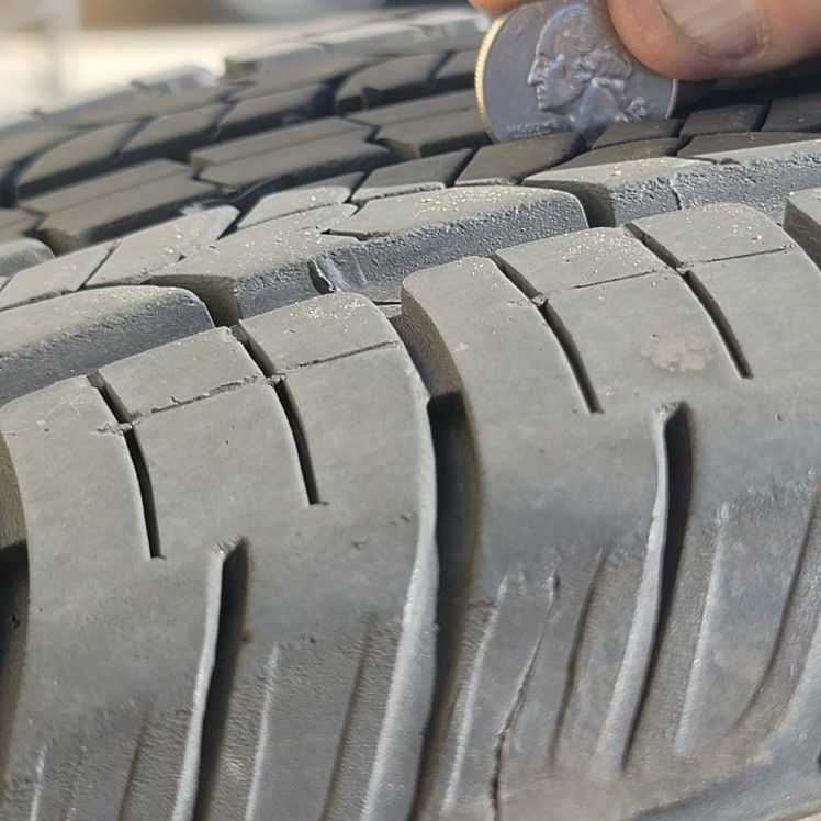 Set of 4 HlGH Quality Used Tires