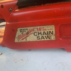 Milwaukee 120 V electric chainsaw Thumbnail