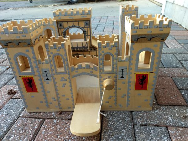 Melissa Doug Medieval Castle For Sale In Bay Village Oh Offerup