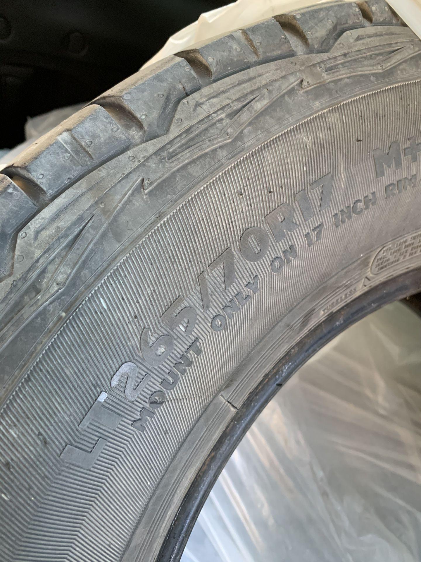 Photo Big O Big Foot Tires