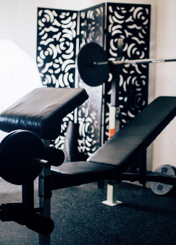 Home gym flat incline bench preacher curl pad leg extension