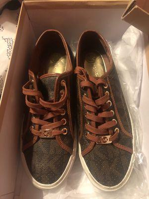 Michael Kors Sneakers 81/2 WOMEN for Sale in Palmdale, CA