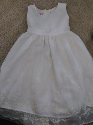 Katie M Embroidered Off White Dress Size 5 for Sale in Leesburg, VA
