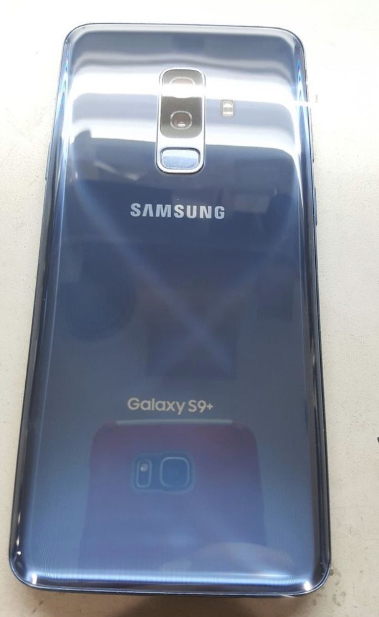 Samsung Galaxy S9+ PLUS UNLOCKED Great condition , phone clean and reseted, will give you a brand new charger for FREE • Unlocked,T-Mobile, AT&T,