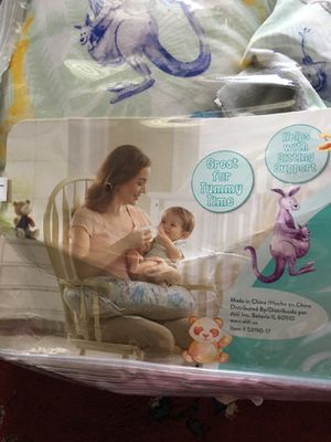 Baby support pillow and feeding comes with another pillow cover for Sale in Alexandria, VA
