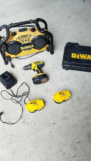 Photo DeWalt 18 volt drill and radio