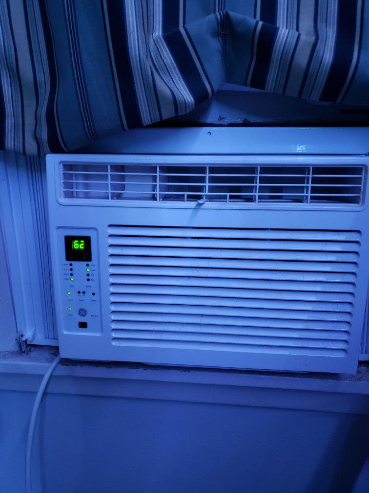 Ge 115 Volt Air Conditioner 250sqft 6000btu