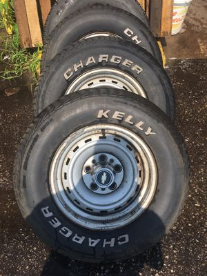 15 inch Chevy rally wheels missing one cap for Sale in Linthicum Heights, MD