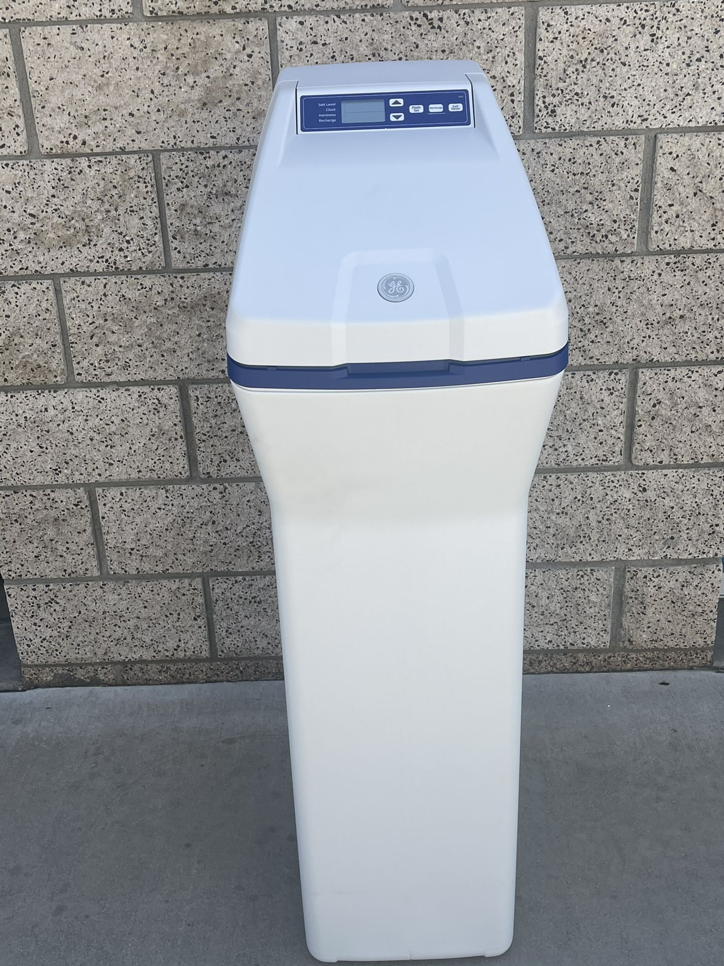Brand new house water Softener And filter in one Worth $799
