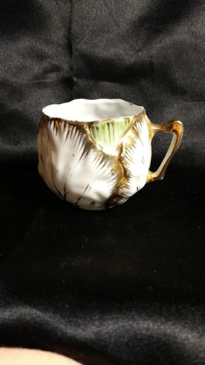 Photo Vintage Miniature Tea Cup Hand Painted Cabbage Leaf Gold Trim Porcelain Repaired