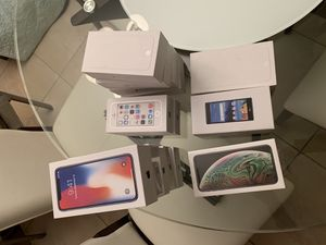 Empty Boxes with accessories iPhone x xs max 6 for Sale in Miami, FL