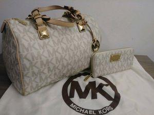 Micheal kors Grayson satchel for Sale in Manassas, VA