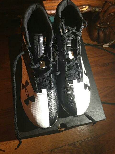 7bc1c408e Men Under armour football cleats (Sports   Outdoors) in Irvington ...