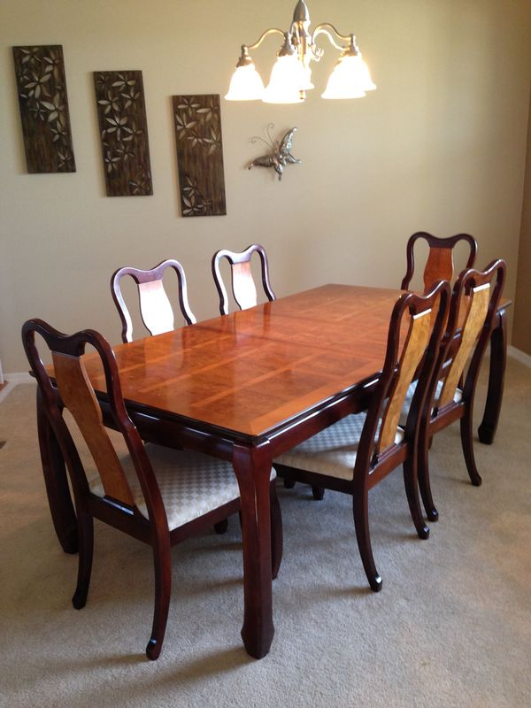 Gorgeous Reduced Two Tone Dining Table With Six Matching Chairs For Sale In Dona Vista Fl Offerup