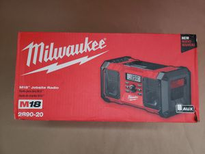 Photo Milwaukee-M18-18-Volt-Lithium-Ion-Cordless-Jobsite-Radio-2890-20