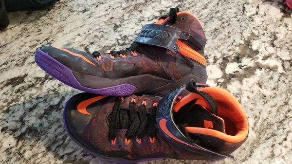 9c41306560225 Nike Zoom Lebron Soldier Viii size 8 Prm Purple Black Hyper Crimson for  Sale in Sherwood