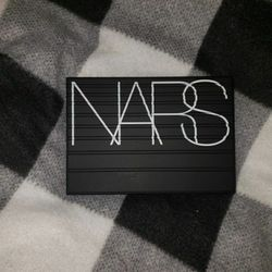 Never Used NARS EXTREME EFFECTS EYESHADOW PALETTE Thumbnail