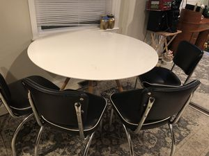 Dinner table for Sale in Hyattsville, MD
