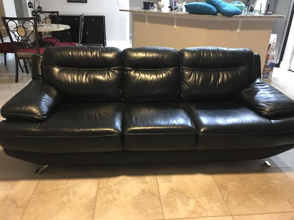 Remarkable Beautiful Real Leather Rooms To Go Sofia Vergara Couches For Sale In Port St Lucie Fl Offerup Machost Co Dining Chair Design Ideas Machostcouk
