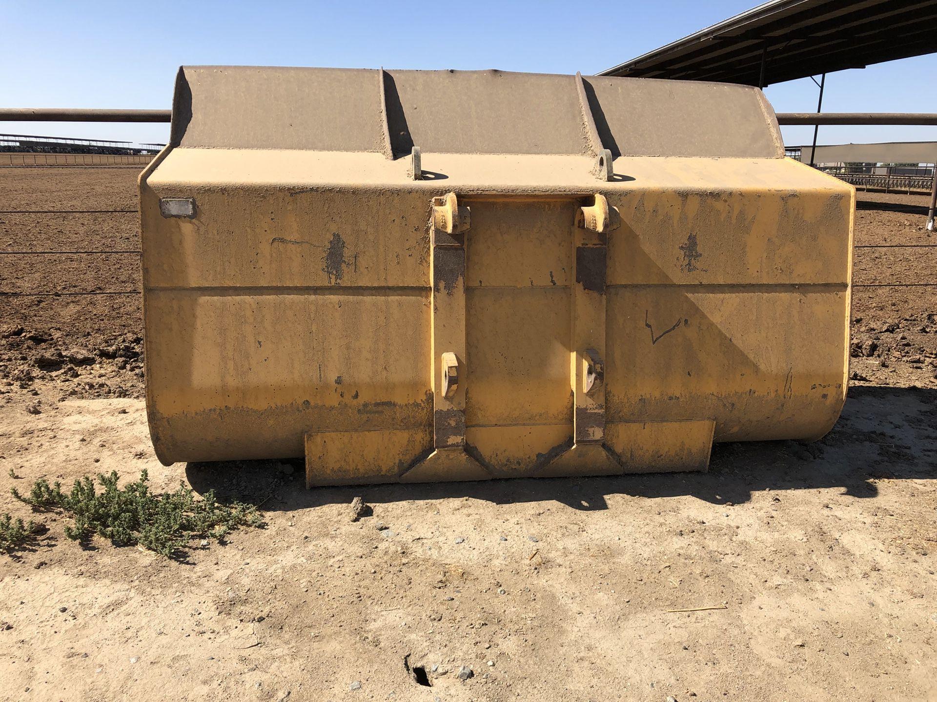 John Deere loader bucket