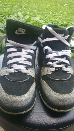 New and Used Nike shoes for Sale in Waukegan 2fe6877cd