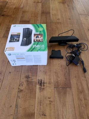 Xbox 360 with Kinect for sale  San Diego, CA