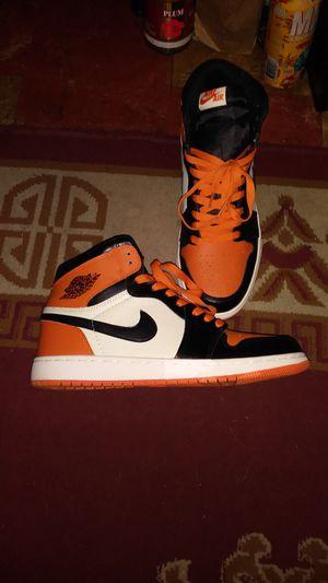 Air Jordan 1s black and orange size 11 for Sale in Detroit, MI