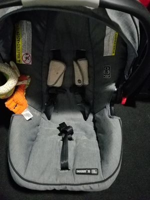 GRACO SnugRide SnugLock 35 Infant Car Seat for Sale in Dallas, TX