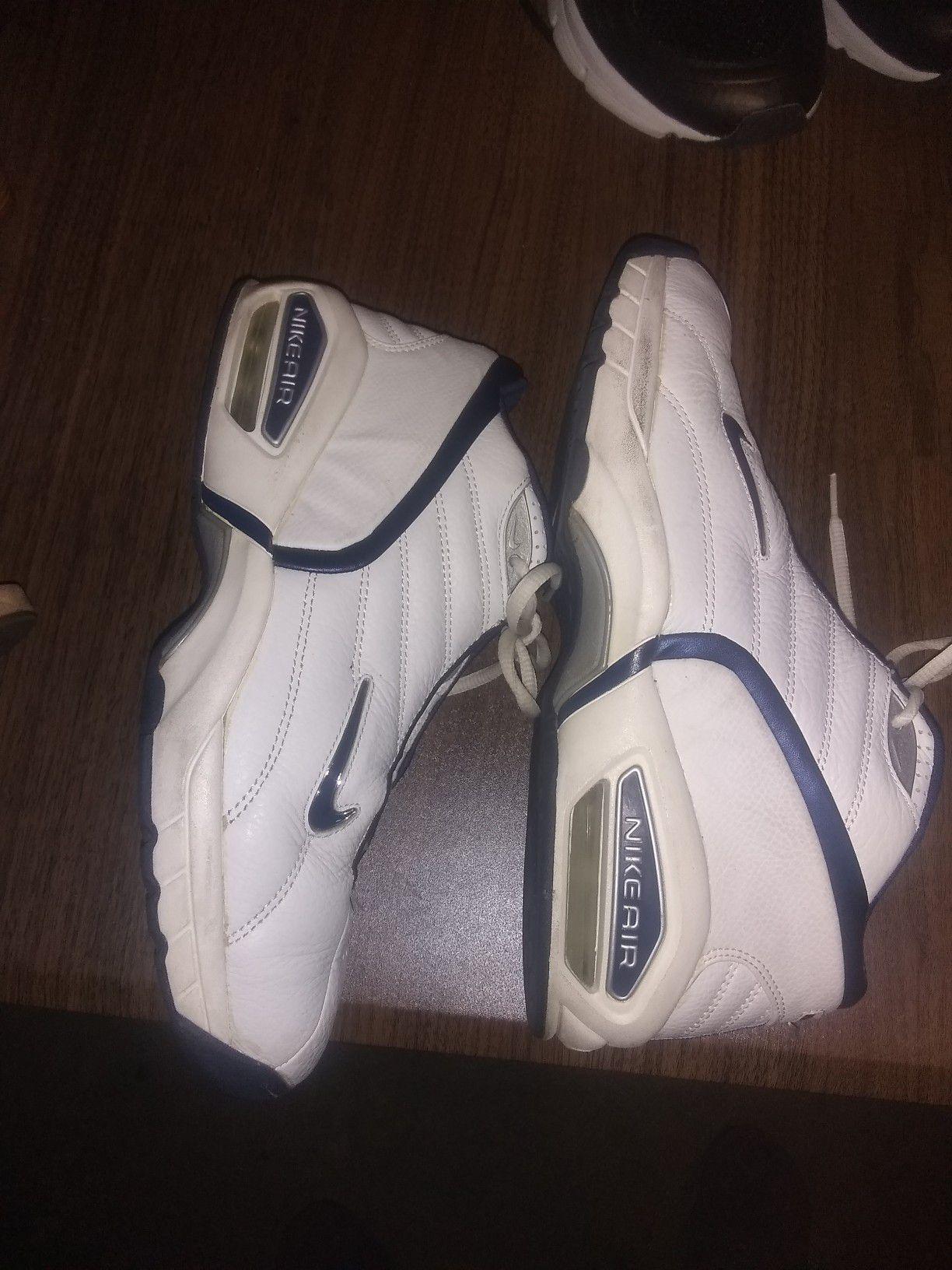 Nikes 10.5