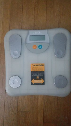 Bathroom scale for Sale in Clinton, MD