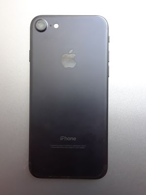 Unlocked iphone 7 32GB condition 9.8/10 carrier is Sprint for Sale in Washington, DC