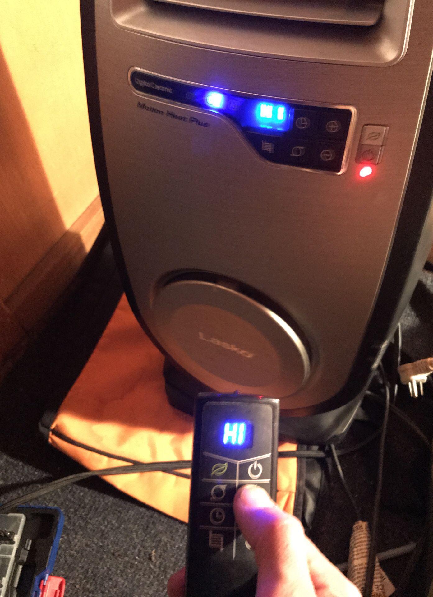 Lasko Digital Ceramic Motion Heater