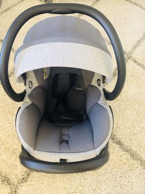 Gorgeous Maxi Cosi Special Edition Infant Car Seat! Regular price: $300 + tax Priced to sell! for Sale in San Francisco, CA