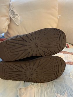 Uggs winter boots size 8 Thumbnail