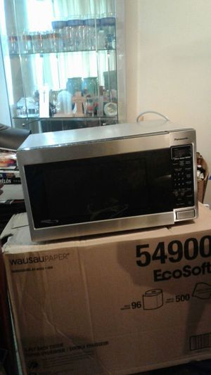 Nice used microwave oven for Sale in Silver Spring, MD