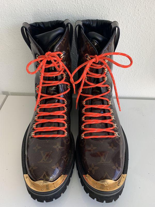 be9dfec5ff7e Louis Vuitton Outland Ankle Boot • 1A4K2W • Monogram Glaze Canvas SZ ...