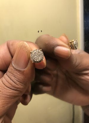 Real diamond screw back earring 1ct for Sale in Indianapolis, IN