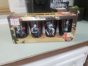 The Walking Dead Characters Set of 4 Drinking Pint Glasses for Sale in Lacey, WA